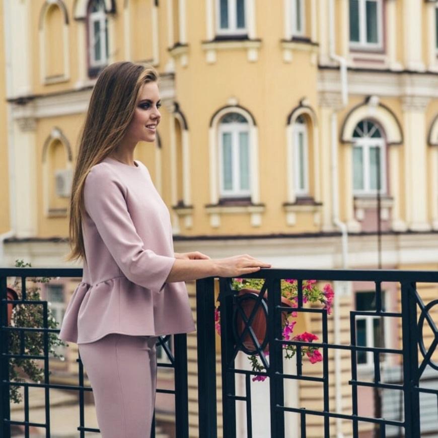 0b39b859f59d47 Весняний жіночий одяг: сучасні сукні, пальто, блузки | Nine