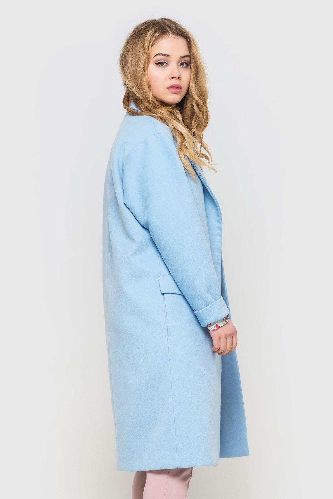 Пальто жіноче блакитне зі спущеним плечем  1ef8ef72b95ae