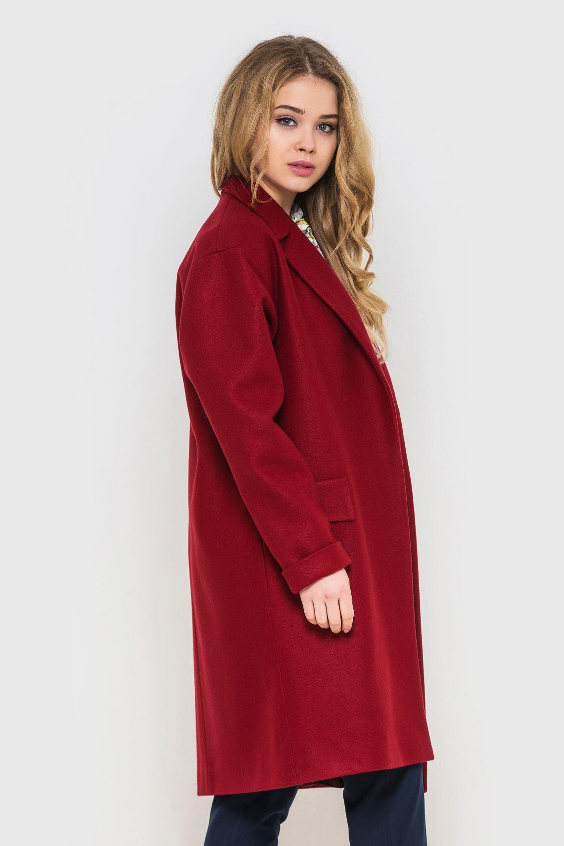 Пальто жіноче червоне зі спущенним плечем  fb28ae28d24b9